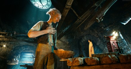 the-bfg-3634x1920-giant-sophie-ruby-barnhill-best-movies-2016-11562 copy